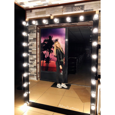 Гримерное зеркало с лампочками JenDi 200х160 Черное фактурное