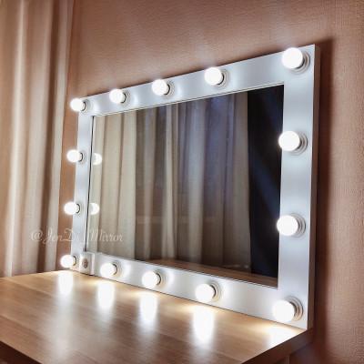 Гримерное зеркало с лампочками и розеткой JenDi 70х100 см White